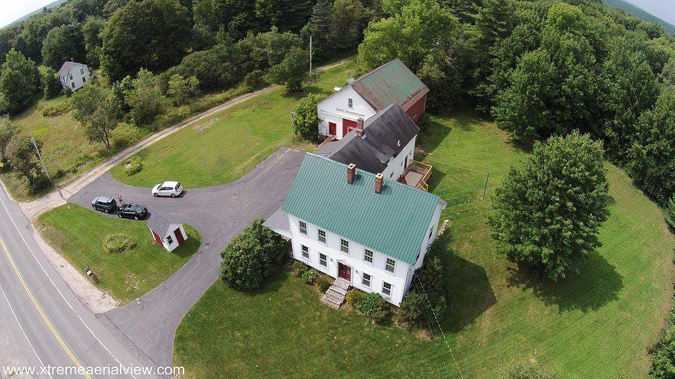 Coolidge Family Farm New Gloucester Maine Every Budget Family Farm Barn Wedding Venue Farm