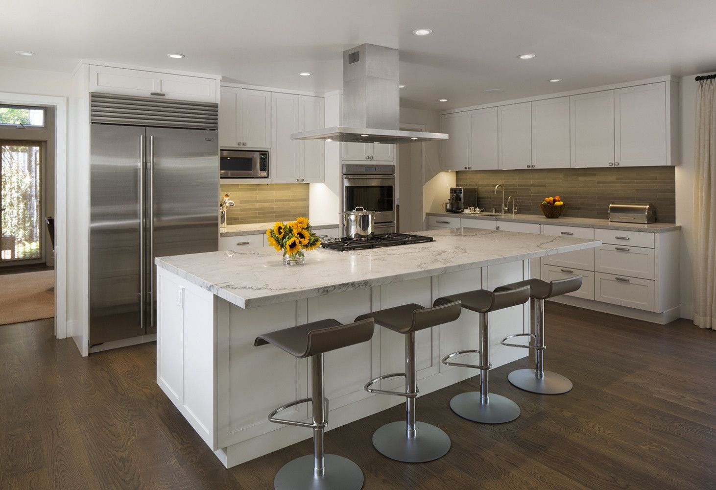 South Bay Renewal Mn Builders Construction Custom Cabinetry And Millwork Residential And Commercia In 2020 Kitchen Inspiration Design Custom Cabinetry Cabinetry