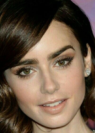 Huuu... Lilly Collins in 2019 | Hair makeup, Flawless ...