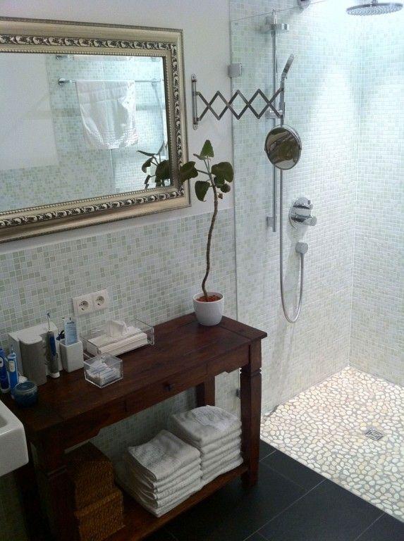 Mosaic Tiles Pebble Floor In The Shower Bathroom Mosaikfliesen - Mosaik fliesen für den duschbereich