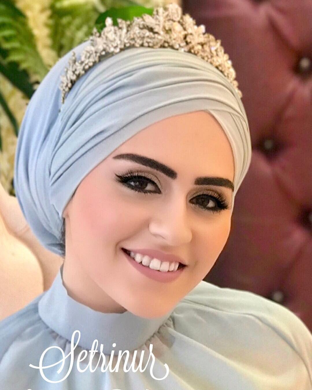 Goruntunun Olasi Icerigi 1 Kisi Wedding Hairstyles With Crown Muslim Wedding Dresses Hijab Dress Party