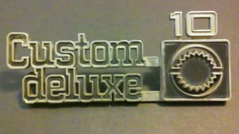 Custom Deluxe 10 Fender Emblem 75 80 Chevy Truck We Have Your
