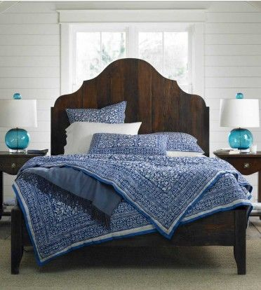 This DIY headboard is awesome! Guest bdrm