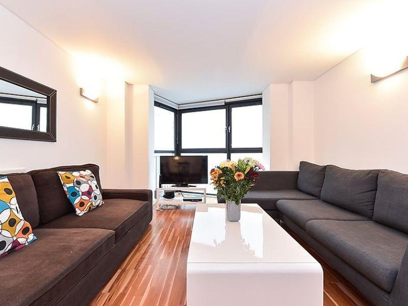 London Pavilion 2 Bedroom Apartment 2 United Kingdom ...