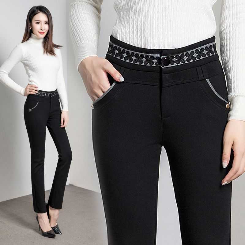 2240999bff6a 40 Old Women Trousers | Pants | Trousers women, Old women, Womens ...