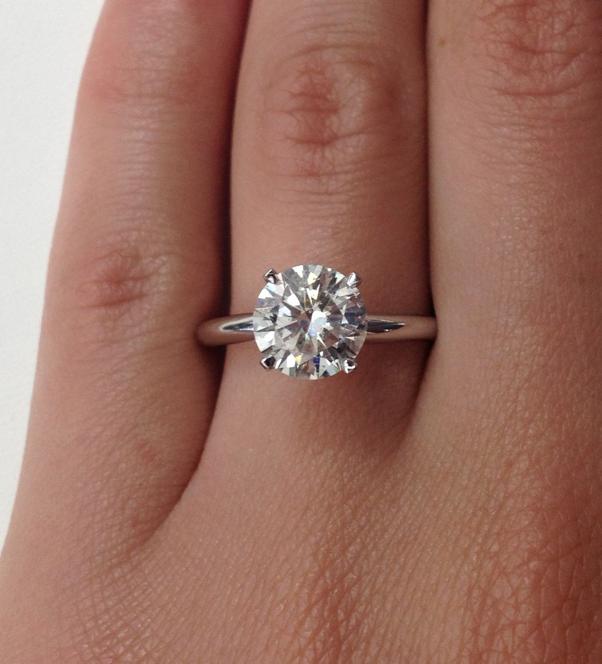 The Truth About a 2 Carat Diamond Engagement Ring