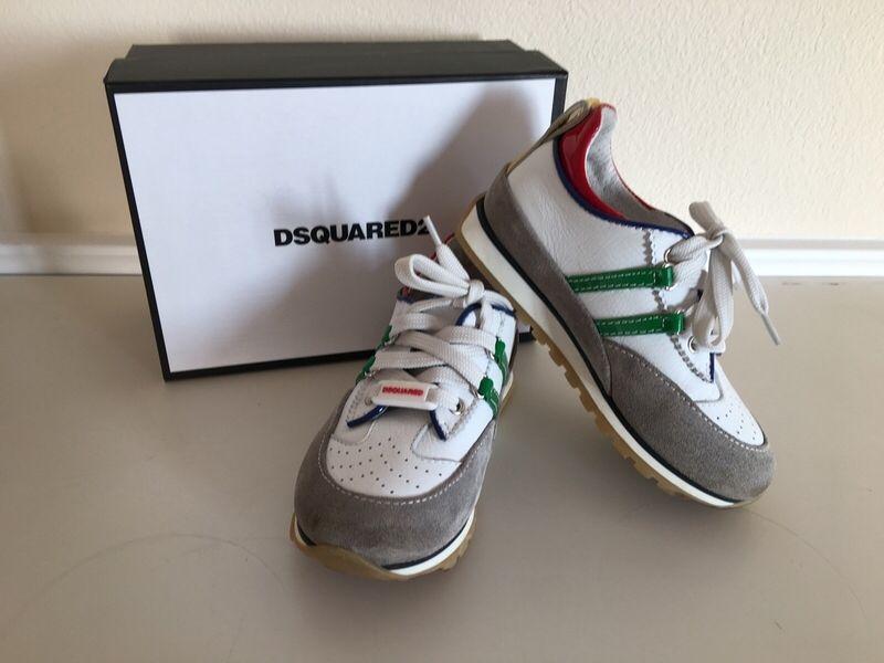 Mein Dsquared2 Sneakers Gr.26 von Dsquared! Größe 26 für 99,00 €. Schau´s dir an: http://www.mamikreisel.de/kleidung-fur-jungs/sneakers/33652753-dsquared2-sneakers-gr26.