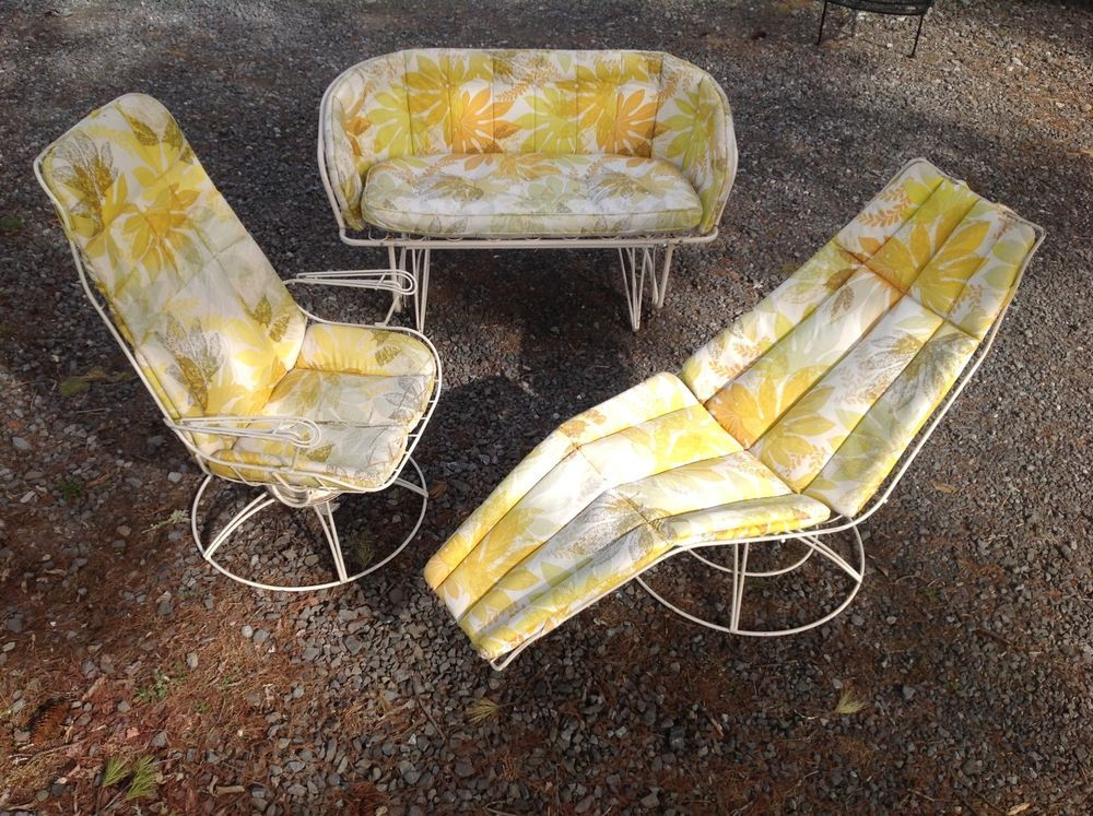 Great Vintage Homecrest Wire Patio Chaise Lounge Chair Sofa Mid