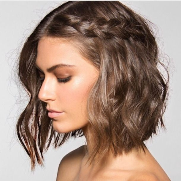 Cute Simple Spring Summer Hair Trends Short Beach Wavey With One Side French Braid