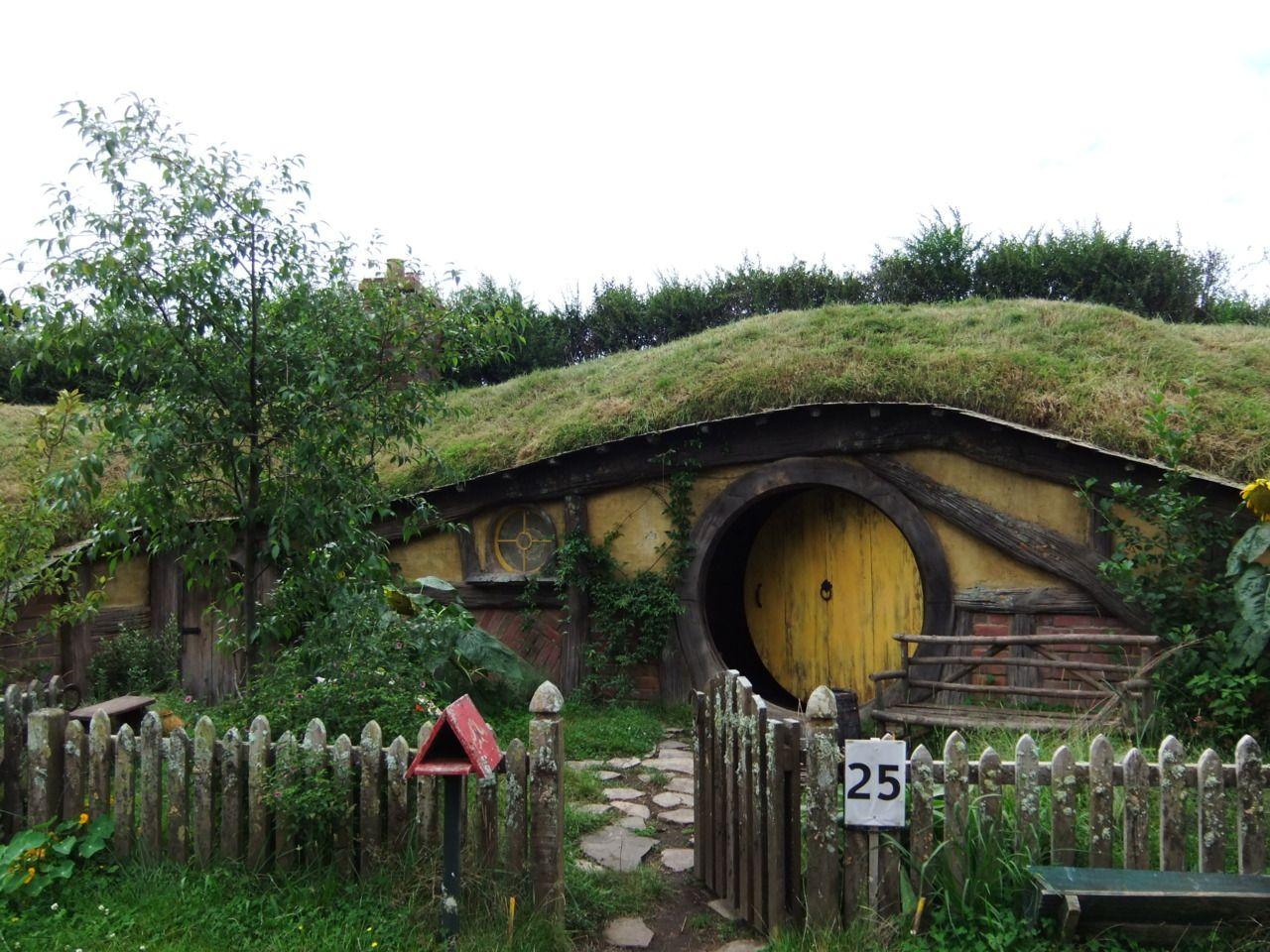 Grass Roof Hobbit House Hobbit House Earthship Green Roof