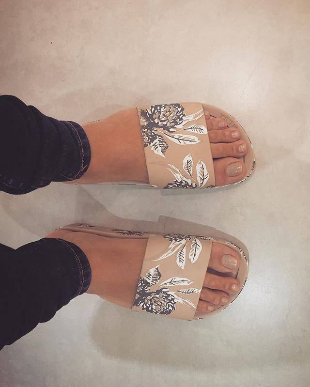 3c9e6e55c Melissa Beach Slide Sapatos De Luxo, Sapatos Sandálias, Chinelo Slide  Feminino, Chinelo Tumblr