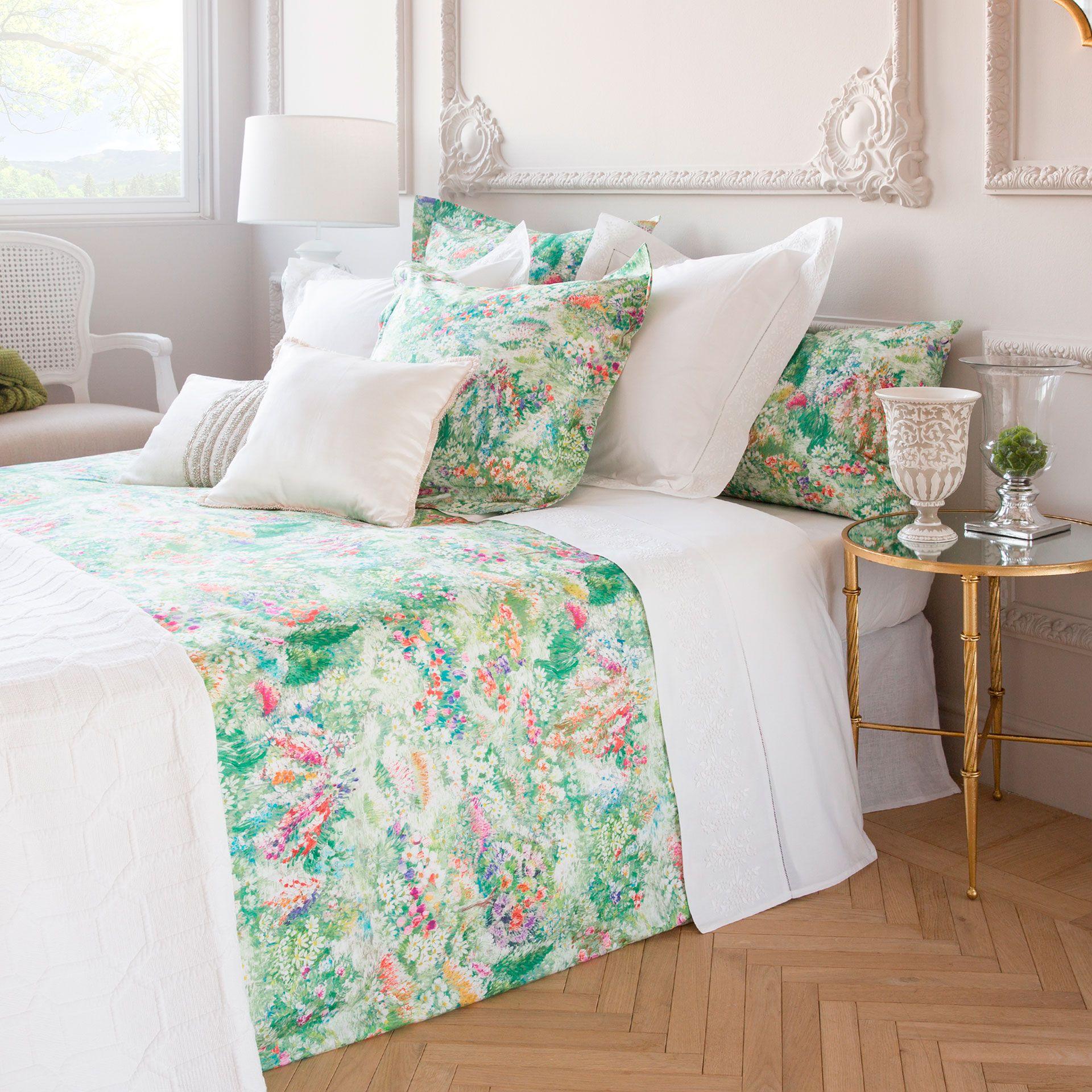 MULTICOLOUR FLORAL PRINT PERCALE BEDLINEN Bed