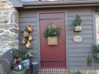 Love the red door love the gourds too. & Love the red door love the gourds too. | Primitive Decorating Ideas ...