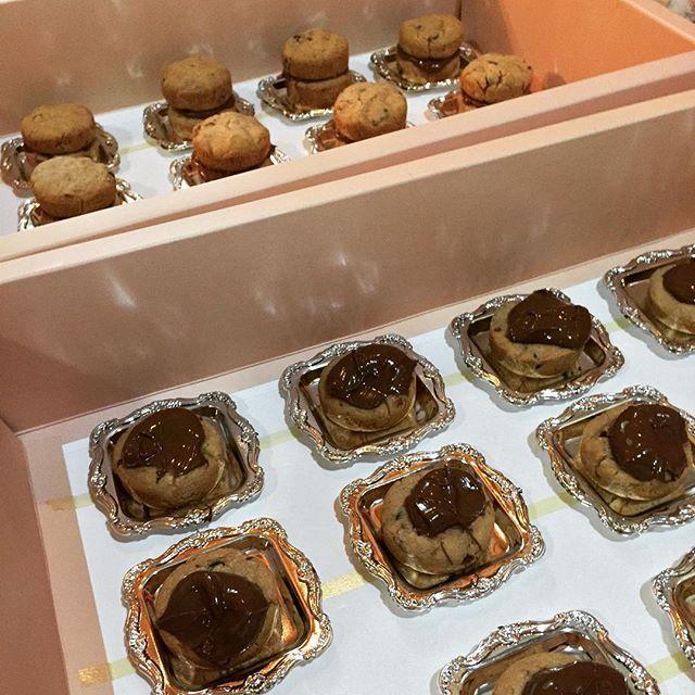 Princess Sweets On Instagram اثناء تجهيز طلبات العيد كل عام وأنتم بخير حلويات حفلات مناسبات مميز ميني كيك كوكيز ن Sweets Food Breakfast