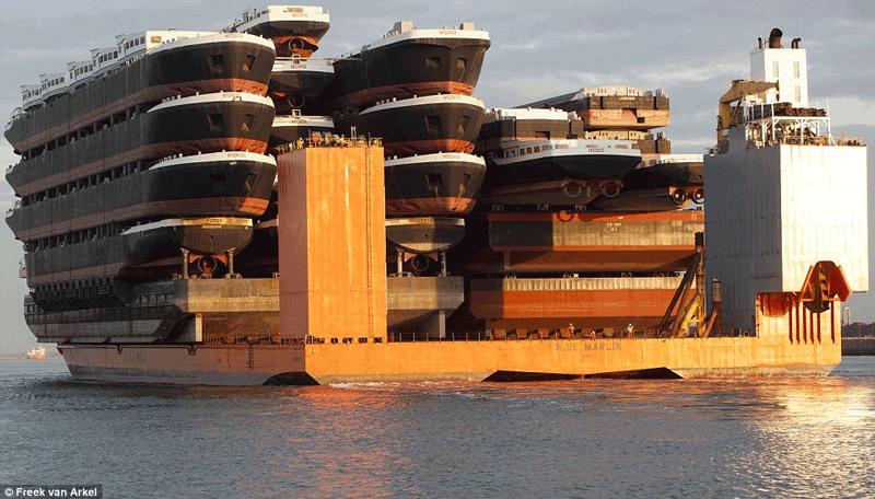 Cea mai mare navă semi-submersibilă din lume e la Constanța