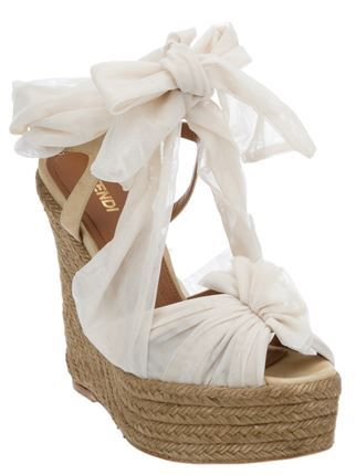 bow front wedge