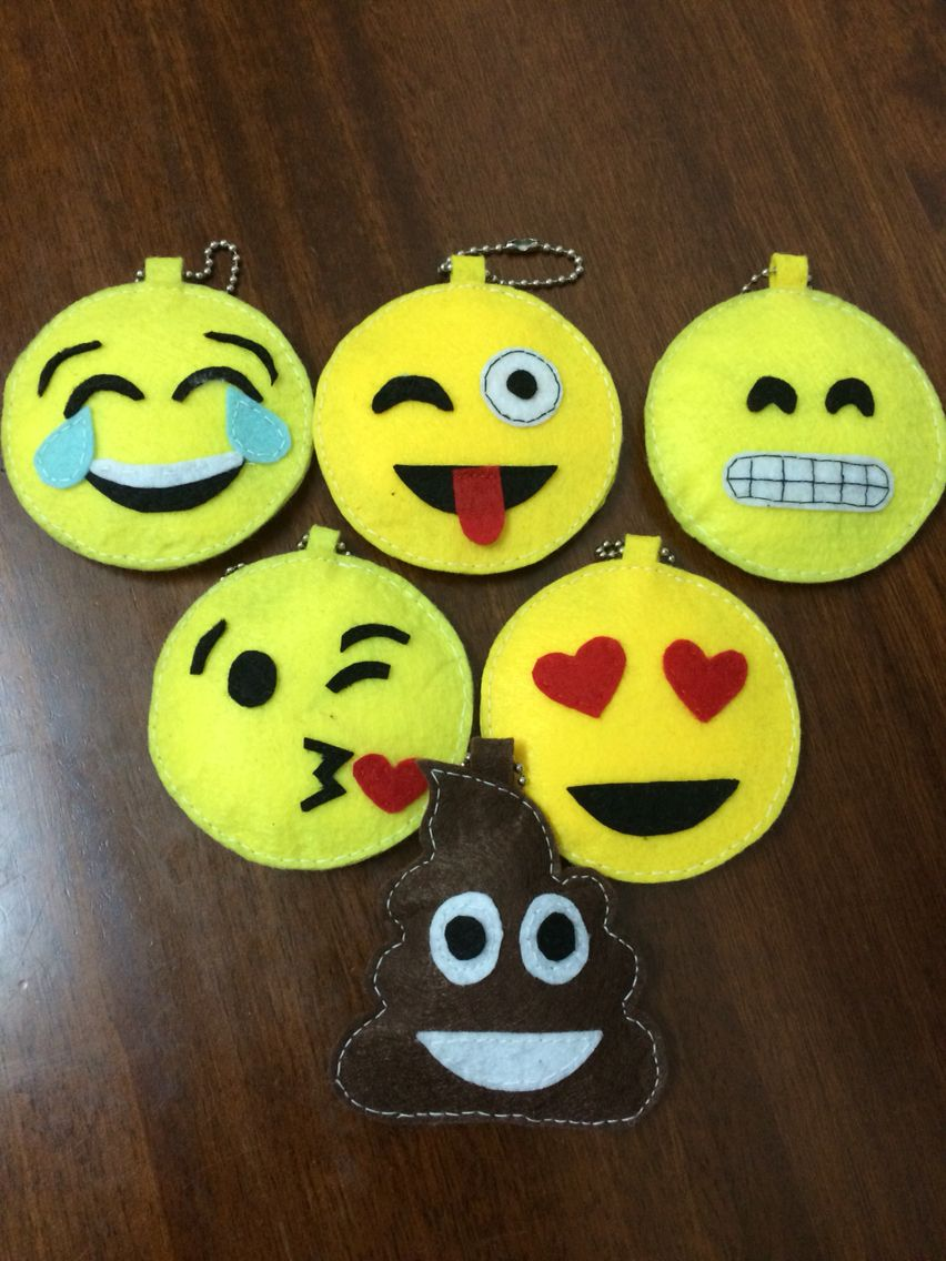 Felt Emoji Keychain Felting Projects Emoji Diy Felt Diy