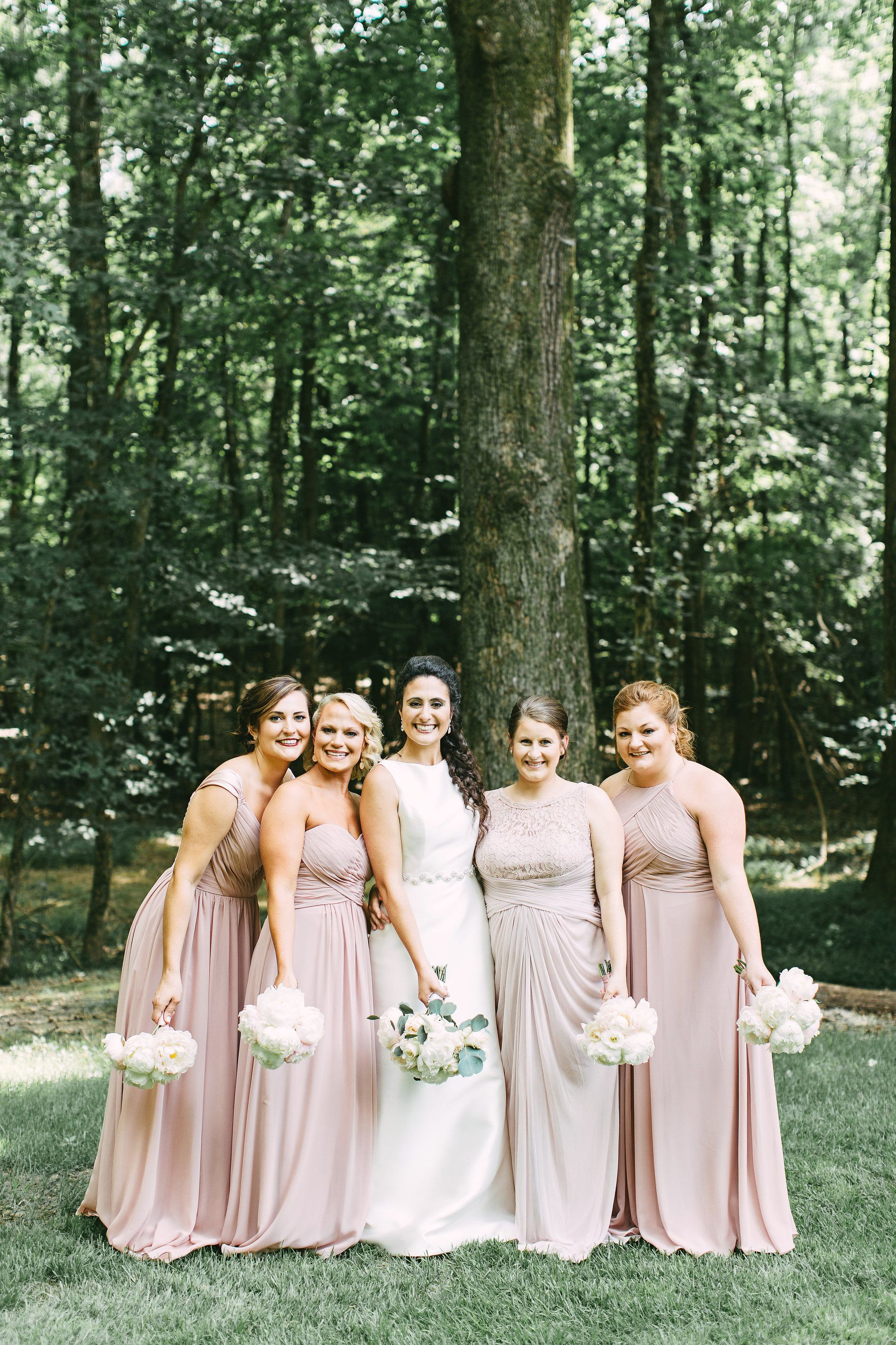 Natural outdoor nuptials in tennessee memphis tn blush blush colored bridesmaid dresses cream wedding bouquets romantic bridal party kelly ginn ombrellifo Images