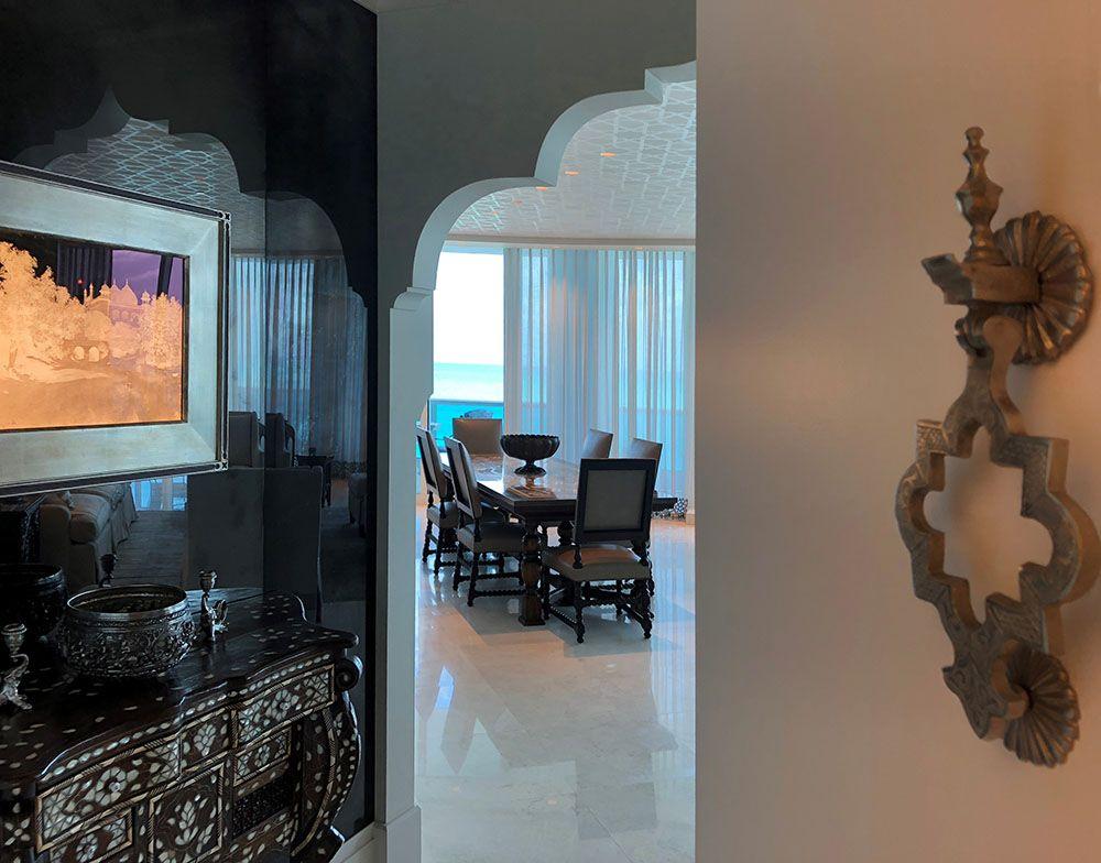 Vignette Delight Living Room Ceiling House Styles House Interior