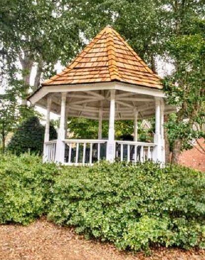 Best Cedar Shake Roof Installation Www Gg Nc Com Cedar Shake 400 x 300