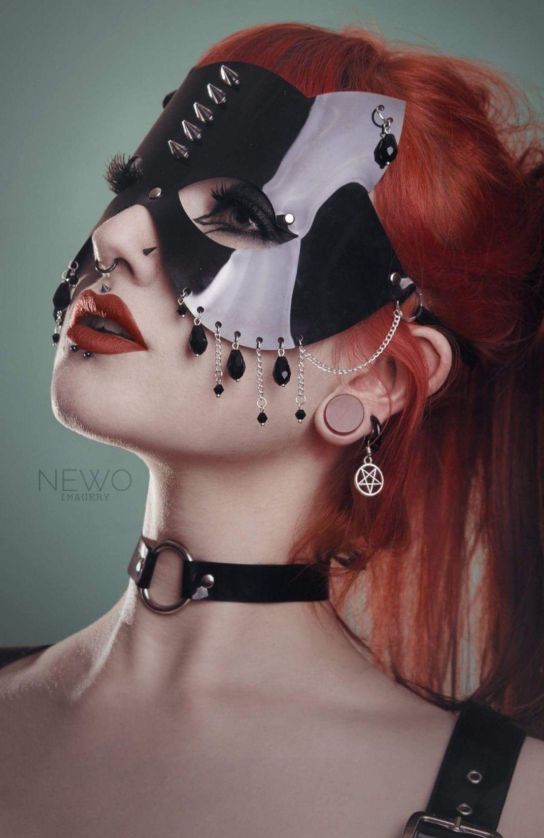 Mask by KatzLittleFactory Model Toxic Waist Black