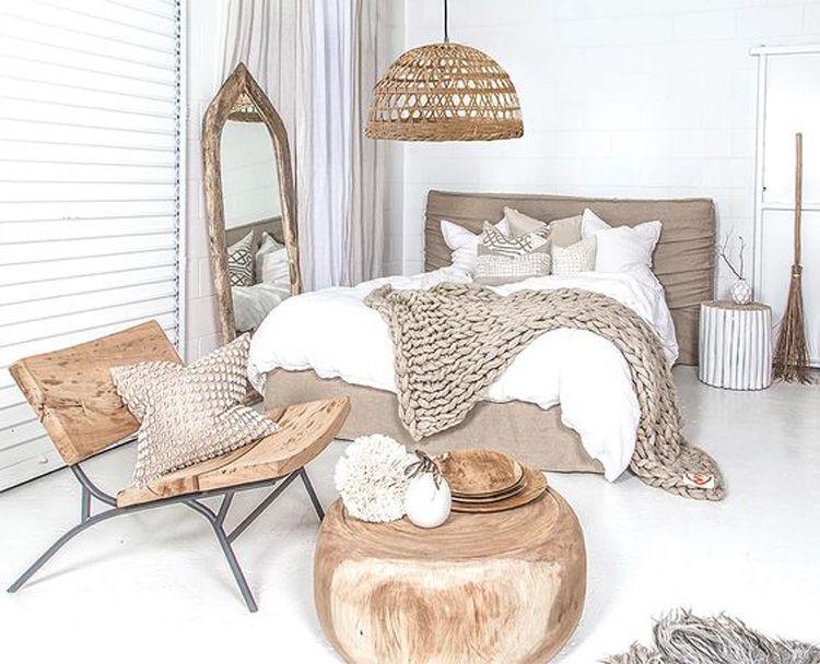 Beige slaapkamer met houten accessoires | Wood | HOME | Pinterest ...