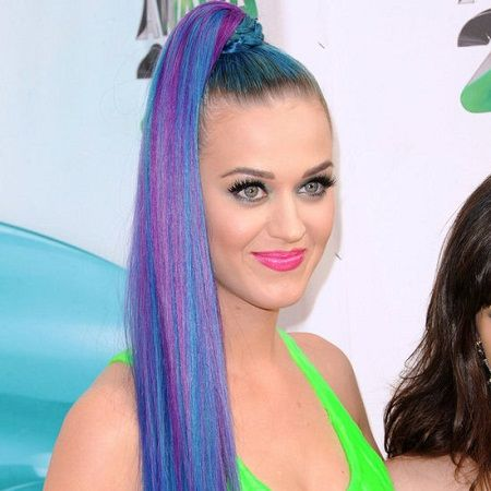 Katy Perry unique blue and pink hair with a neon green shirt- very ...
