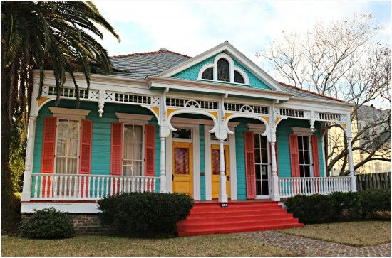 Colorful New Orleans Uptown Double New Orleans Homes New Orleans Architecture House Exterior