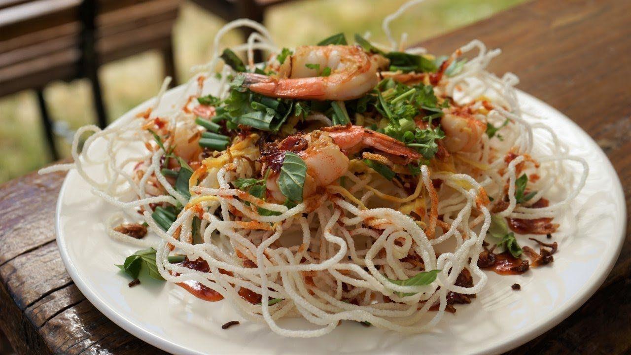 Vermicelles De Riz Croustillants Avec Sauce Aigre Douce Recette De Coo Cuisine Asiatique Vermicelle De Riz Recette Asiatique