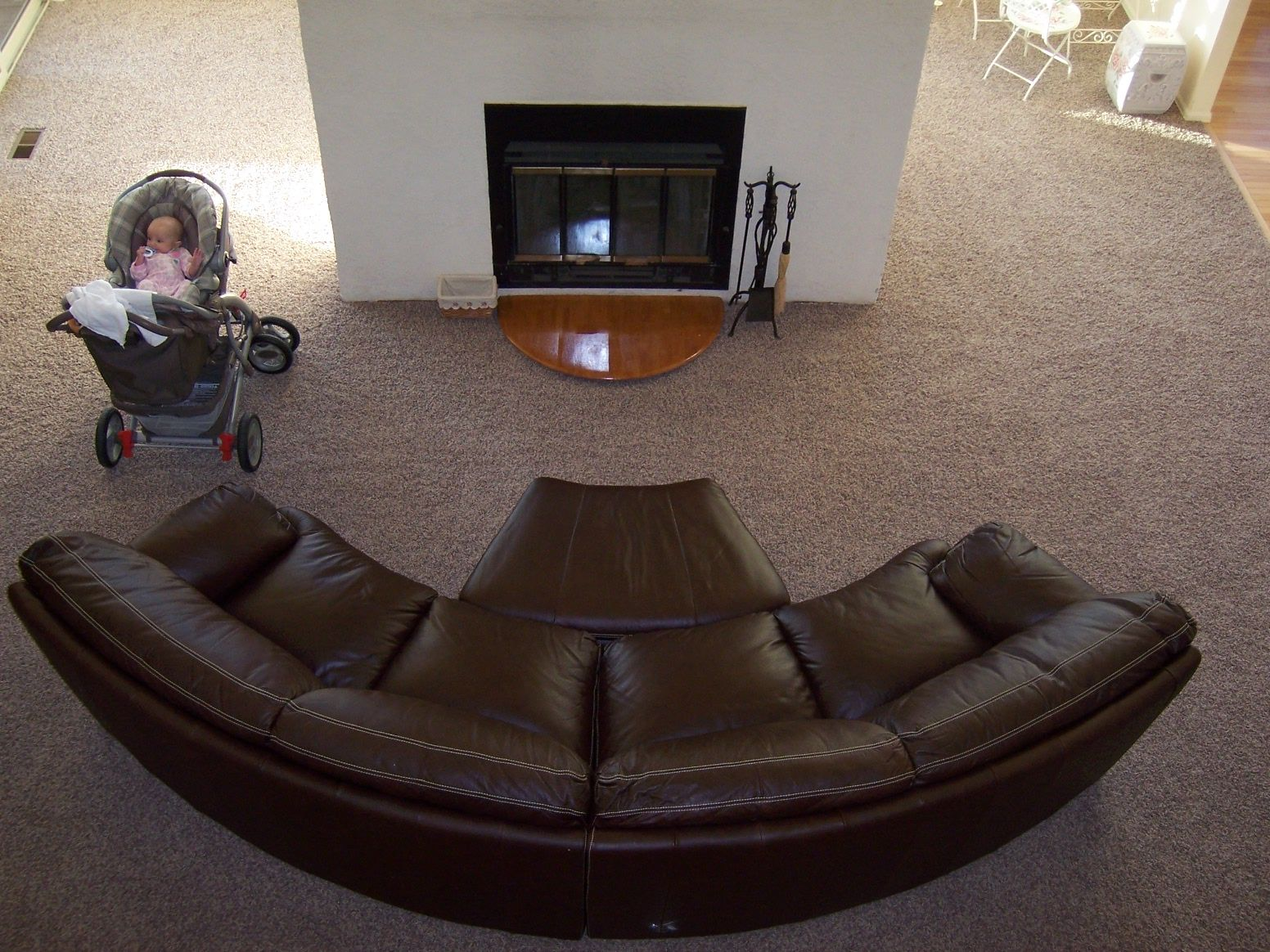 Circular Couch In 2020 Round Couch Leather Sofa Living Room