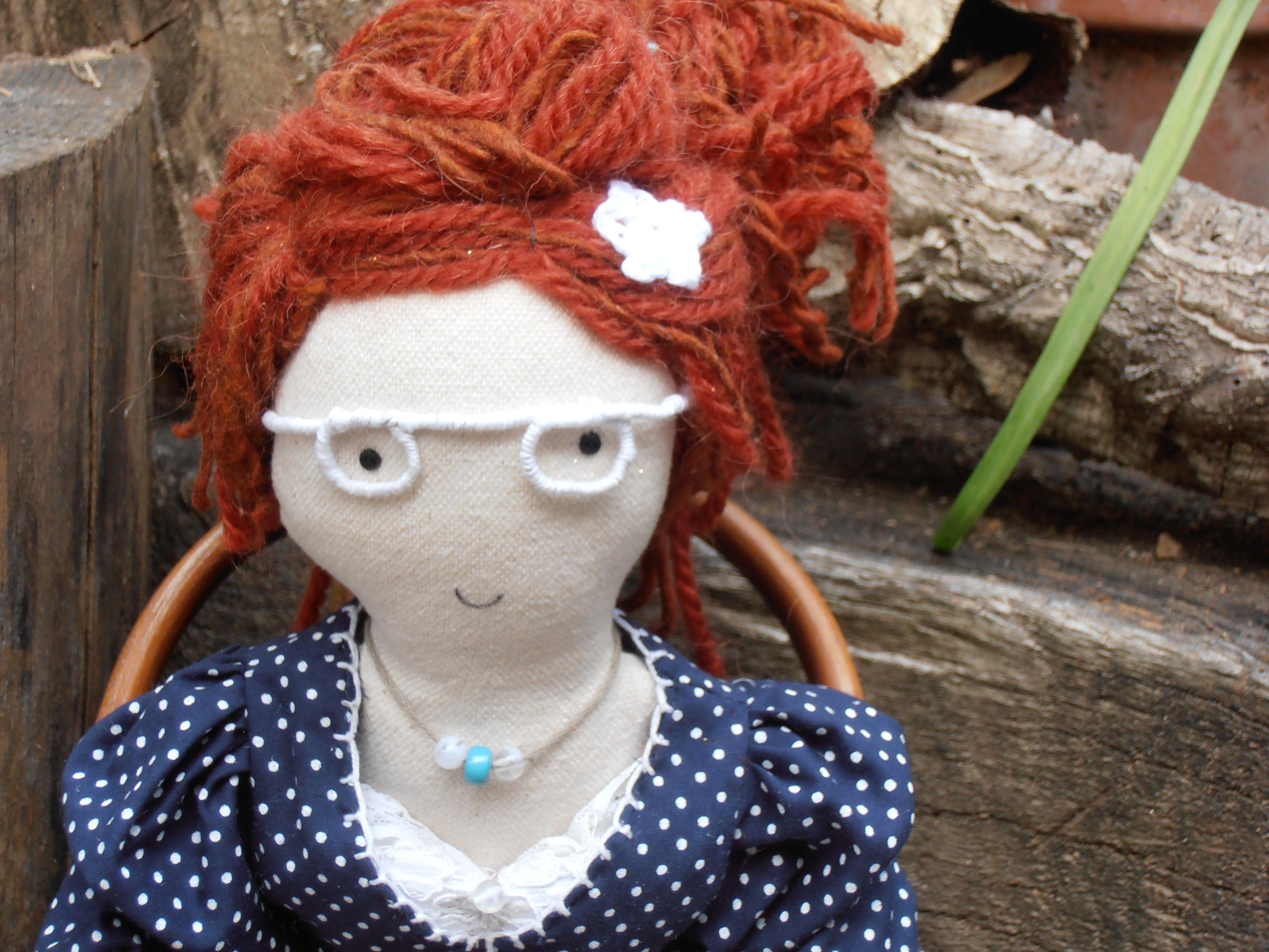Esta muñeca de trapo es una Piluca, está hecha a mano, ahora vive en Sicilia
