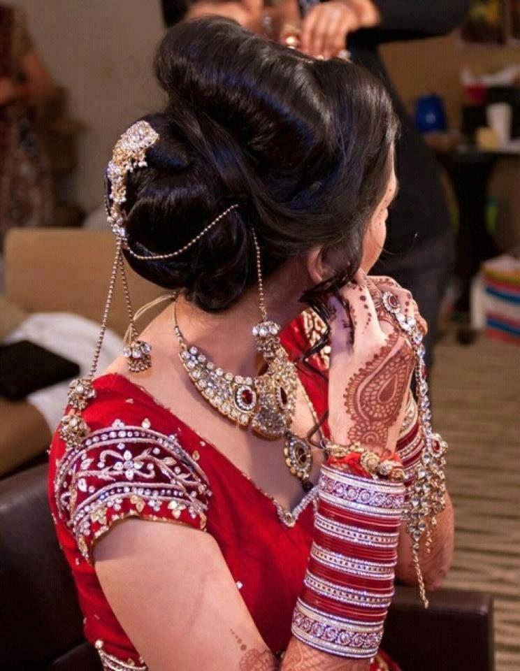 Dulhan   Indian wedding hairstyles, Wedding hair inspiration, Indian wedding