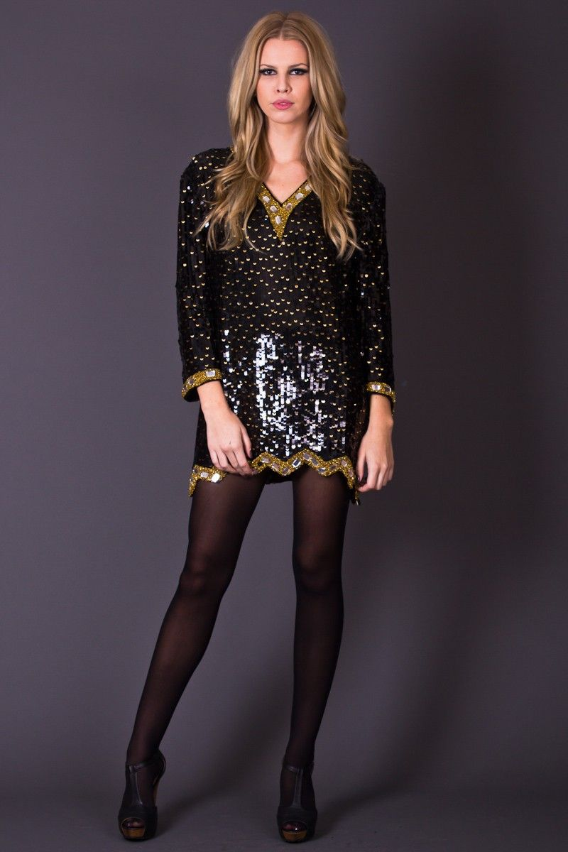 Dazzling s style sequin dress in black and gold this sparkling