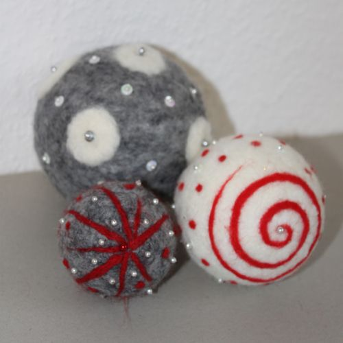 christbaumschmuck weihnachten christbaumschmuck felt balls pinterest. Black Bedroom Furniture Sets. Home Design Ideas