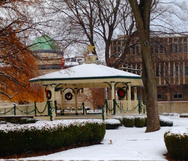 Affinity At Winter Park Home: Warder Park In Winter In Historic Downtown Jeffersonville