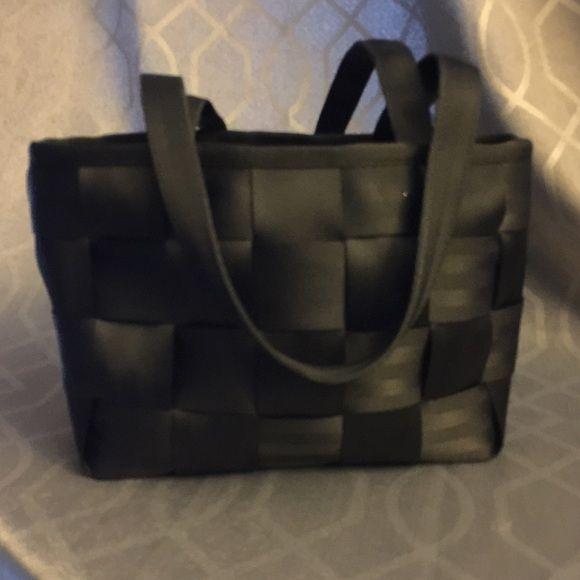 Seatbelt purse! ⚡️flnal sale⚡️Fabulous authentic seatbelt purse! In great condition! Seatbelt  Bags