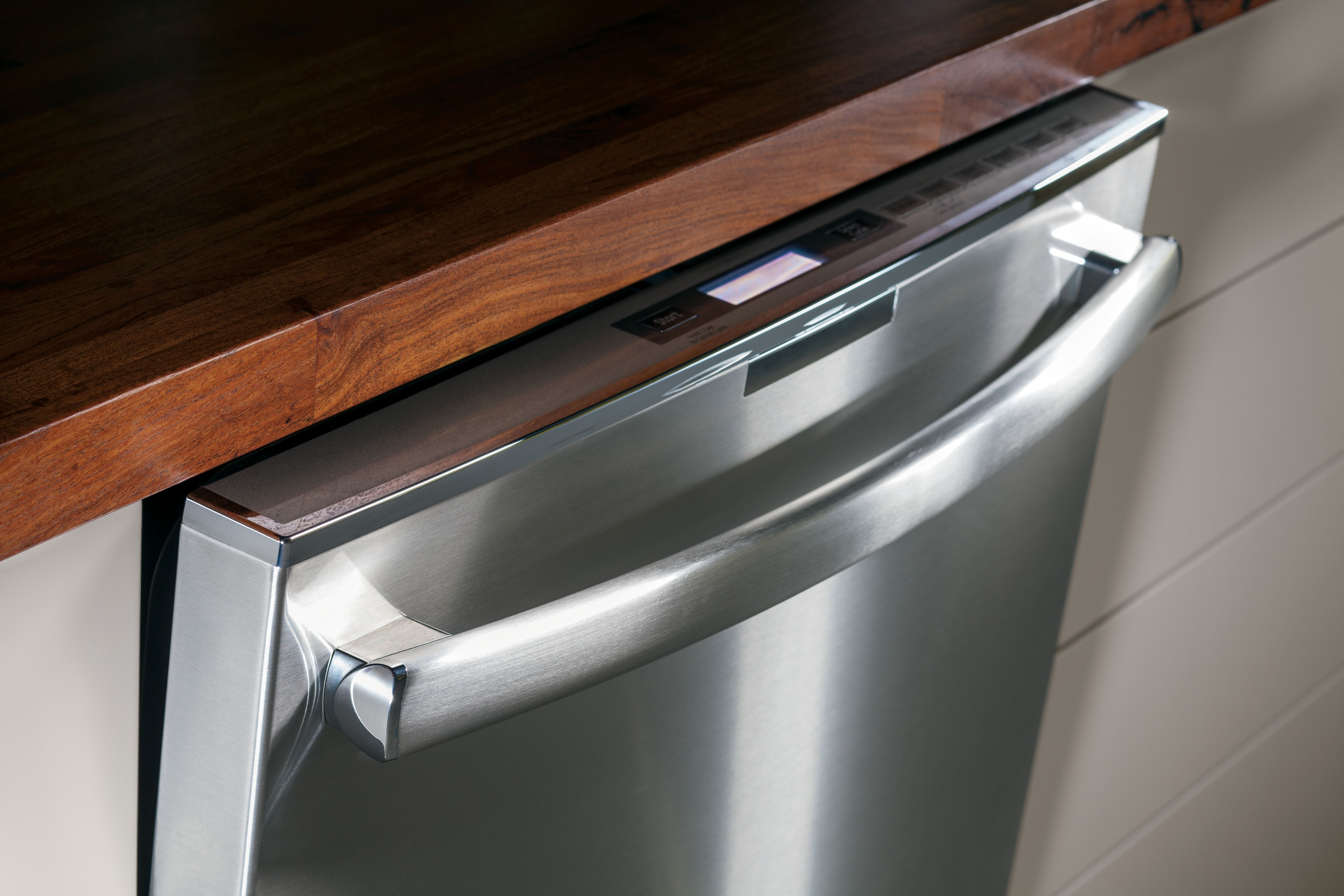 The Dishwasher Door On The Ge Profile Series Dishwasher Installs Flush With Cabinetry Kitchen Kitchen Appliances Cool Kitchens