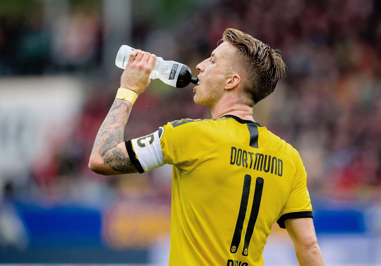 Football Is My Aesthetic Posts Tagged Borussia Dortmund In 2020 Football Football Pictures Sports Jersey