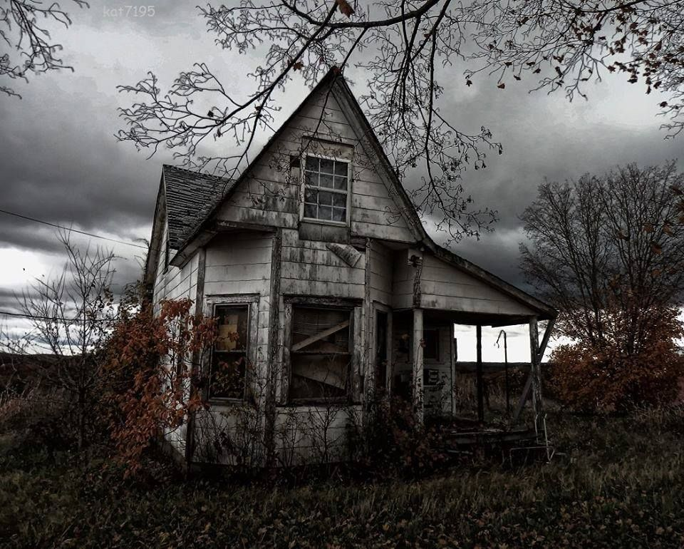 The sky makes it even spookier. Old abandoned houses