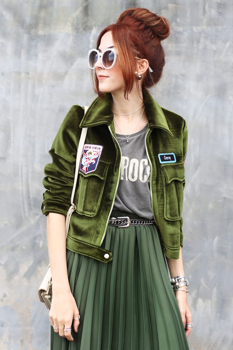 Escolhi uma saia midi verde da Renner pra montar 3 looks diferentes com a  mesma peça. Já pensou em usar verde em look monocromático b6410cc48d22d