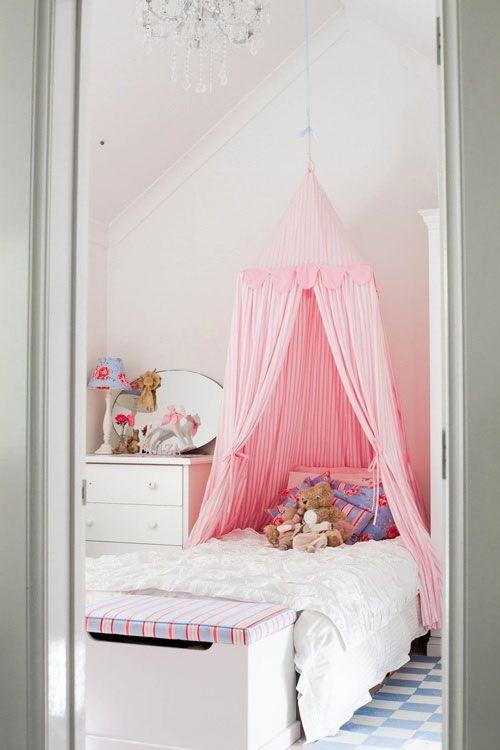 En esta imagen podemos ver una cama para ni a con un dosel - Dosel cama nina ...