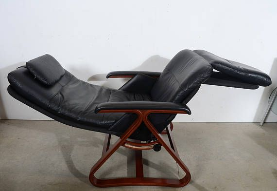 Black Leather Lounge Chair Made By Backsaver Zero Gravity Chair So  Comfortable To Sit In.