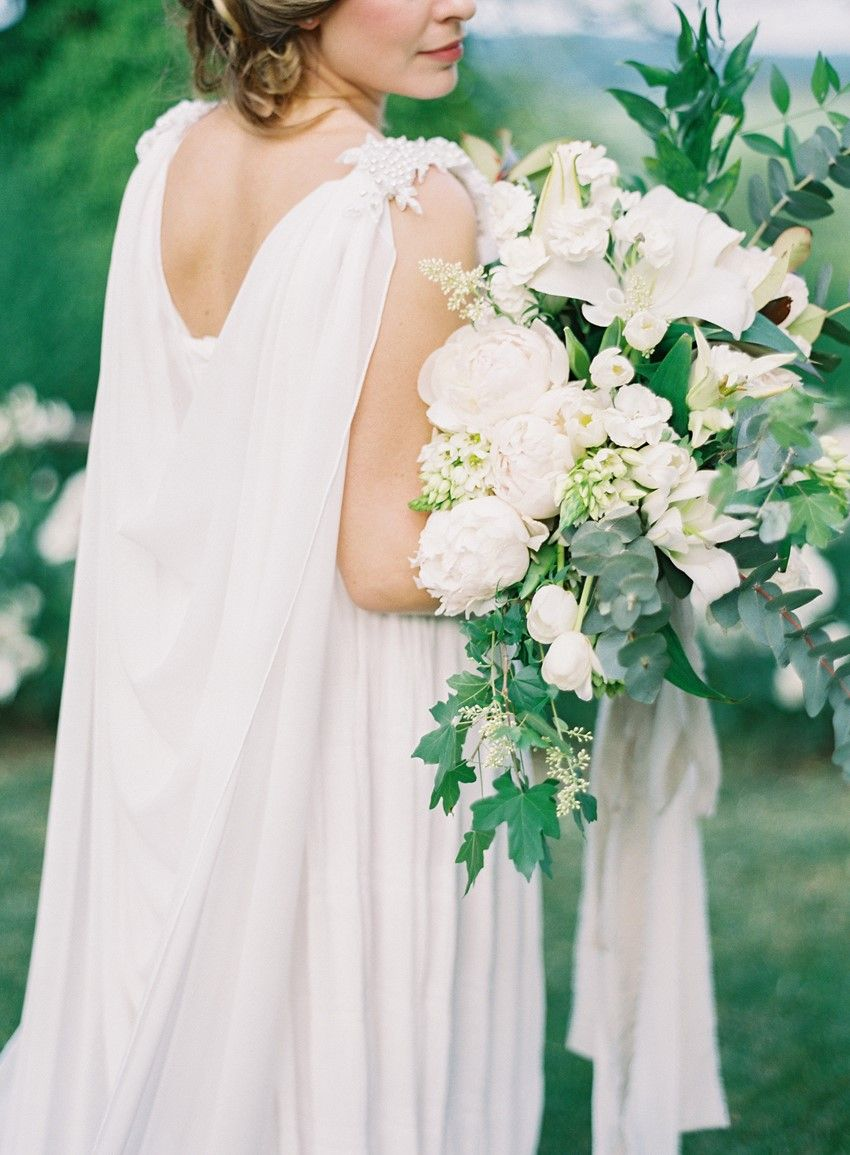Timelessly Romantic Wedding Inspiration at an Italian Castle