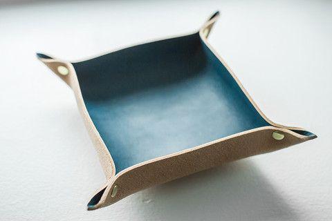 Blue Sear Hair Barrette & Leather Tray