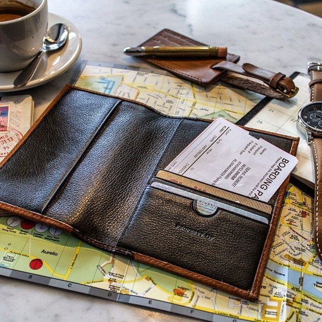 EDISON PASSPORT HOLDER | 99€ | TRAVEL | LEATHER | STYLISH LOOK | The leather material that has been used in combination with the spine gives it an elegant look. | @thepropertyof