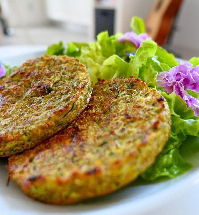 Galettes végétariennes quinoa-courgettes (sans matière grasse) - Les recettes de Julie Gri