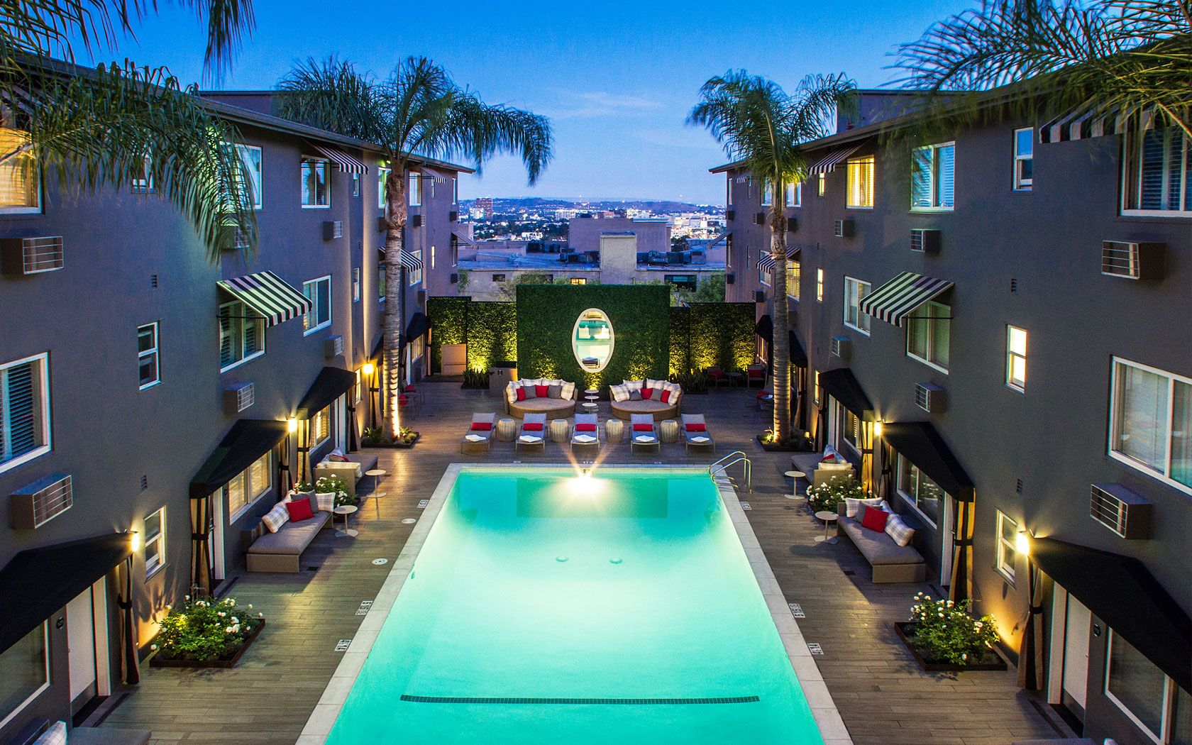 Located On The Famous Sunset Strip This Boutique Hotel Offers Largest R Pool In West Hollywood And A Fitness Centre