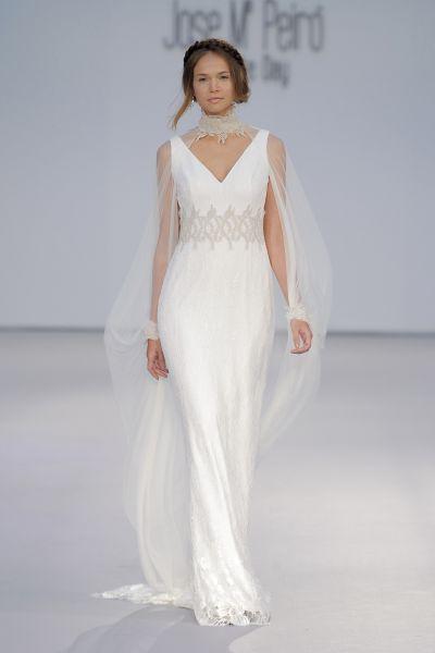 6b540bffc Vestidos de novia para mujeres altas 2017  35 diseños para brillar y  cautivar Image  28