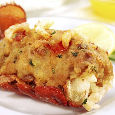 Queues de homard grill es beurre au gingembre et la lime homard et langoustine pinterest - Langoustes grillees au four ...