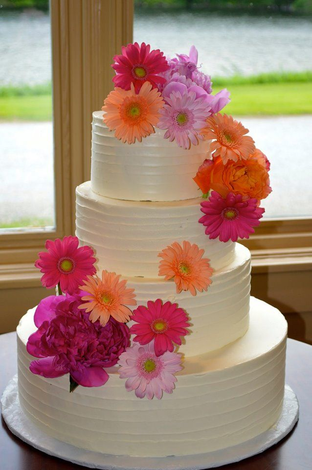 Cake designed by Cuisine Lucette with flowers from ...